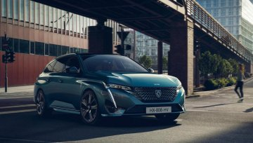 Two plug-ins for new Peugeot 308 SW – with loads of boot space too