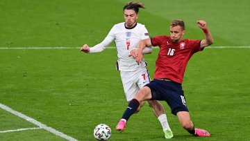Slow and steady England put Czechs to sword